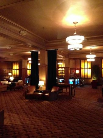 The Arctic Club Seattle - a DoubleTree by Hilton Hotel: ground floor lobby