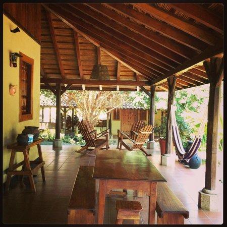 فينكا سان خوان دي لا آيلا: Porch for dining, relaxing