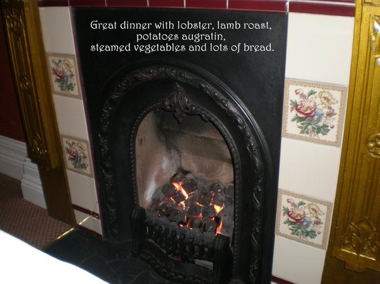 Killeen House Hotel & Rozzers Restaurant: Warm by the Hearth