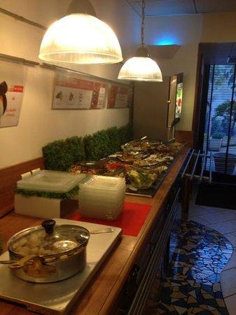Ibis Marseille Timone : le buffet