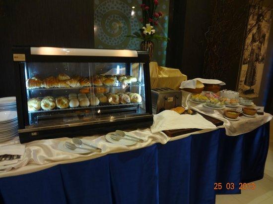 โรงแรม เมอร์เคียว เวียงจันทน์: Petit-déjeuner