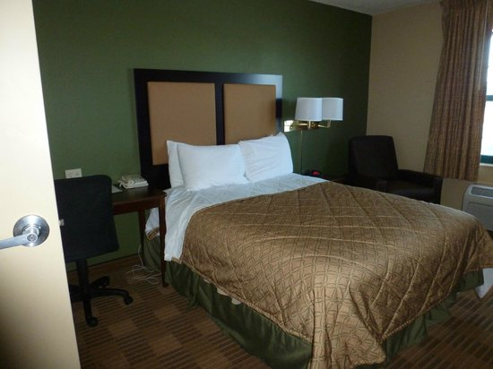 Extended Stay America - Secaucus - Meadowlands : Bed