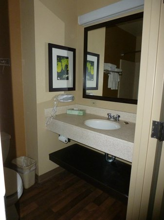 Extended Stay America - Secaucus - Meadowlands : Sink in bathroom