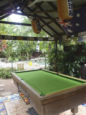 Tropic Days Backpackers: Pool table