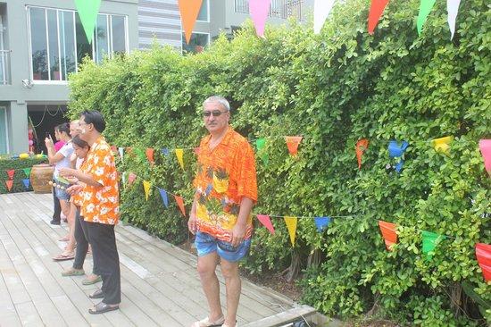 Sugar Marina Resort - ART: Территория у бассейна. Празднование Нового года.
