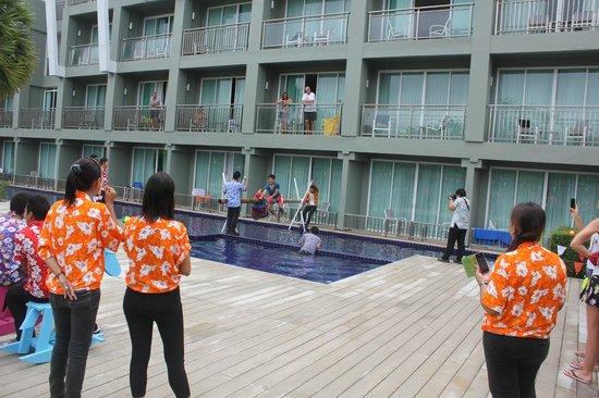 Sugar Marina Resort - ART: Празднование Нового года у бассейна.