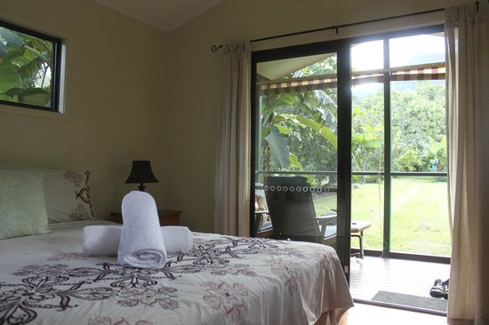 Cape Trib Farmstay B&B: Cabin room
