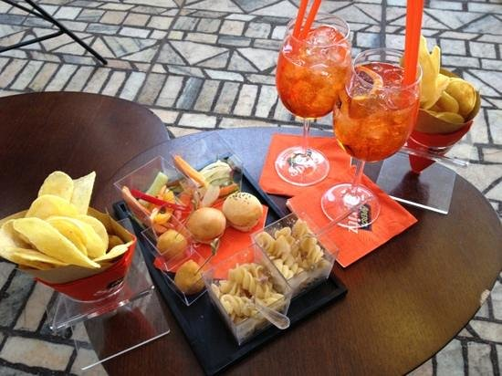 Terrazza Aperol, Milan - Centro Storico - Restaurant Reviews, Phone ...