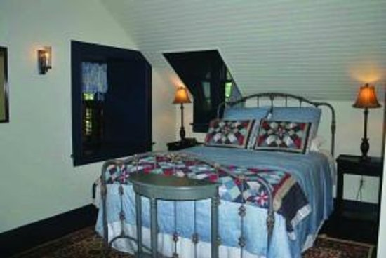 Blue Willow Bed And Breakfast: Blue Willow Bed Breakfast Upstate New York