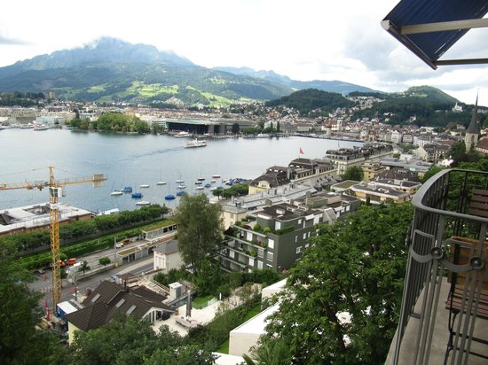 Art Deco Hotel Montana Luzern: View from our room towards Lucerne.