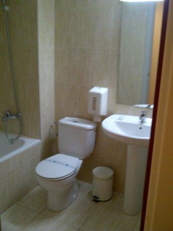 Basic Hotel: Salle de bain