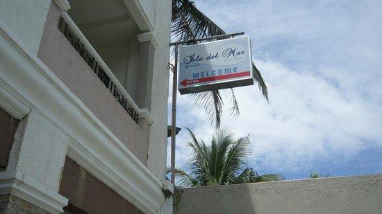 Isla Del Mar Boracay Beach Hotel: Front
