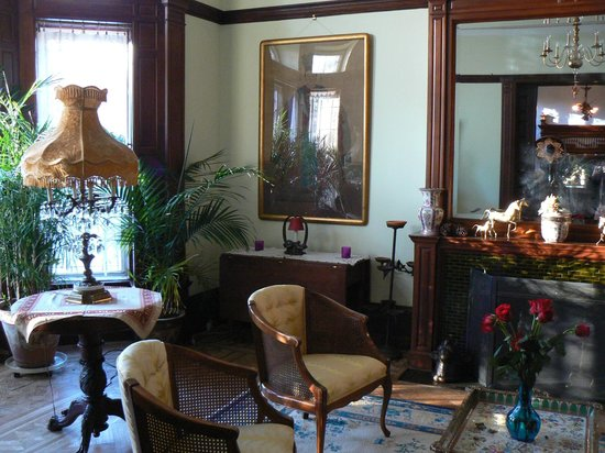 Mount Morris House: This is the main room downstair in the house