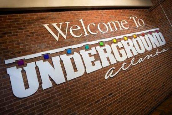 Атланта, Джорджия: Underground Atlanta, a destination with more than 100 years of history.