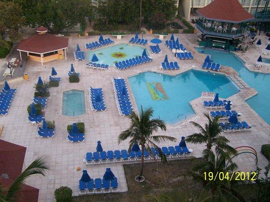 Breezes Resort & Spa Bahamas: Pileta