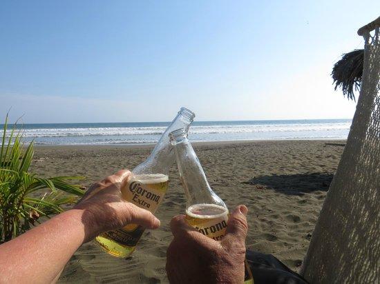 Clandestino Beach Resort: Congratulating ourselves on a VERY good choice.