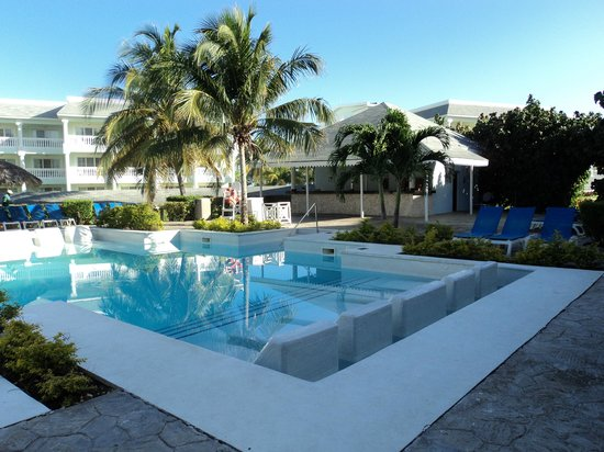 Grand Palladium Jamaica Resort & Spa: Roselle Pool