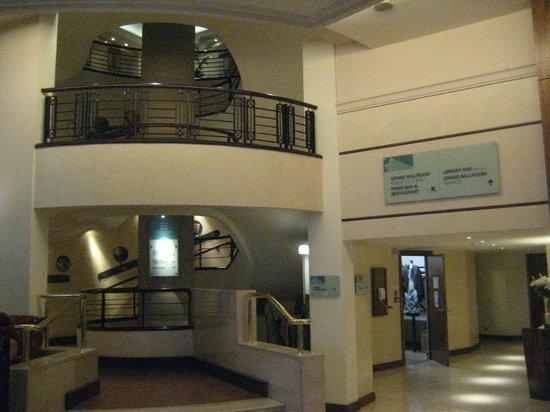 Europa Hotel - Belfast: Spiral Staircase