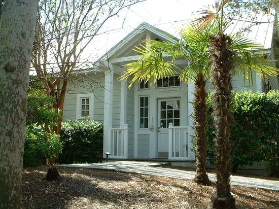 The Cottages on Charleston Harbor: Cottage 6