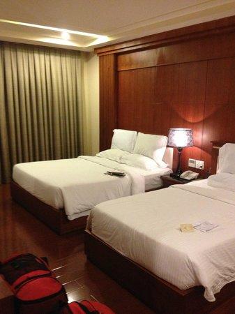 Nhat Ha3: Family Room