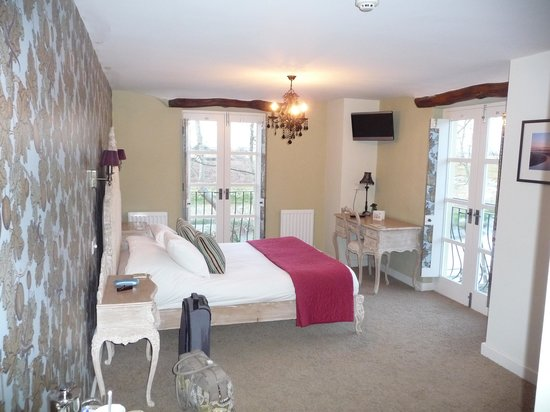 The Cartford Inn: Our glorious bedroom