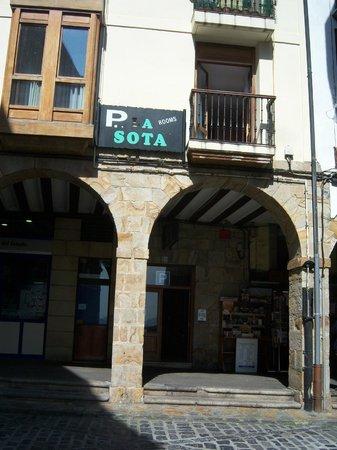 Pension La Sota : Fachada de La Sota.