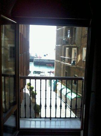 Pension La Sota : Vista desde el interior de la habitación de La Sota