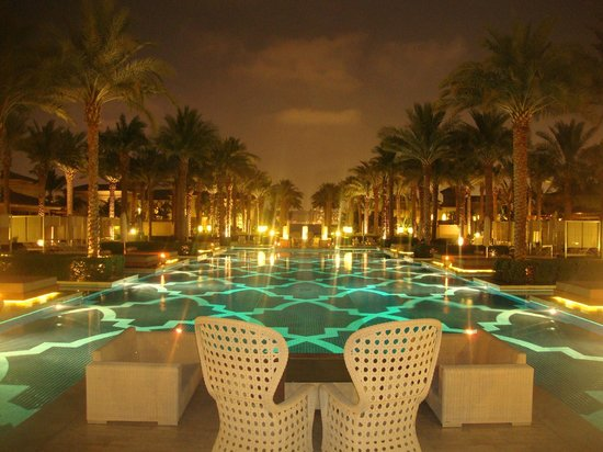 One&Only The Palm Dubai: Pool by Night