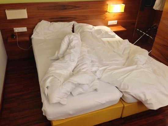 Hotel Jedermann: Bett