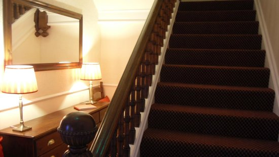 Powys Lodge : Entrance Hall