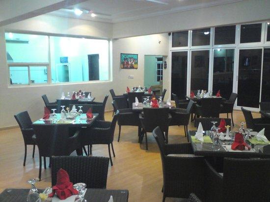 Serendib Restaurant & Bar : View of the restaurant