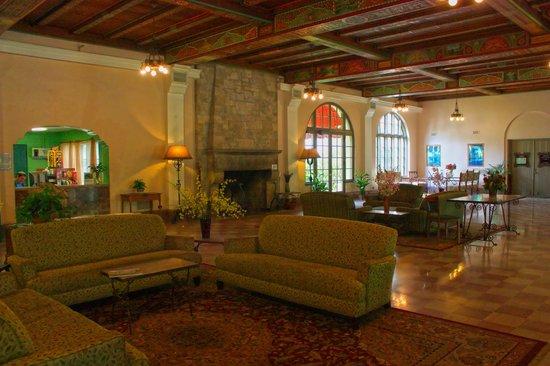 The Lodge at Wakulla Springs: Lobby
