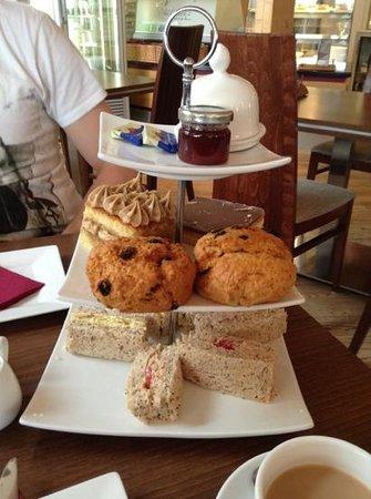 Waterways Cafe: afternoon tea