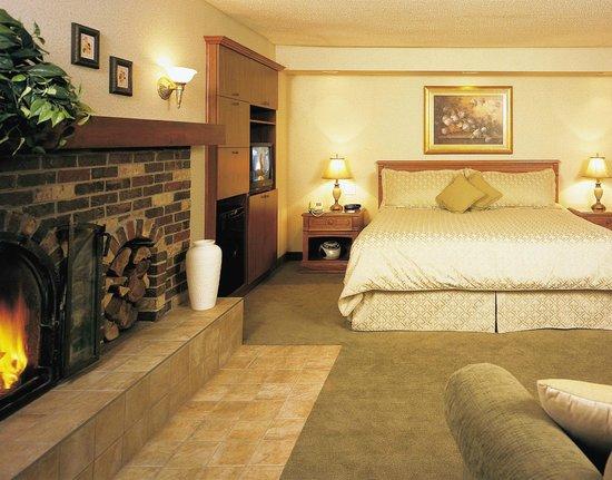 Hotel Castel & Spa Confort: Suite campagnarde et bain thérapeutique simple