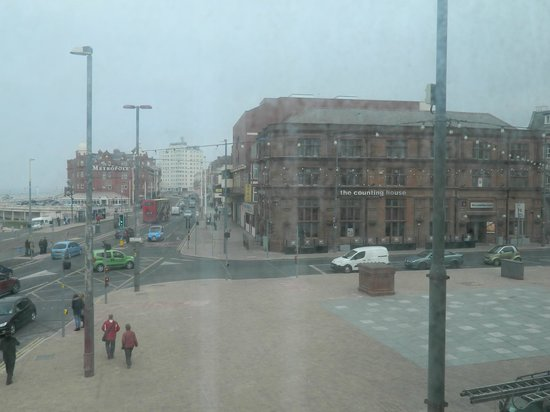 Ibis Styles Blackpool: Side view from Room 101
