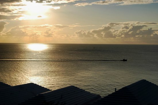 Pompano Beach Club : Sunset View from Cuda Cottage at Pompano
