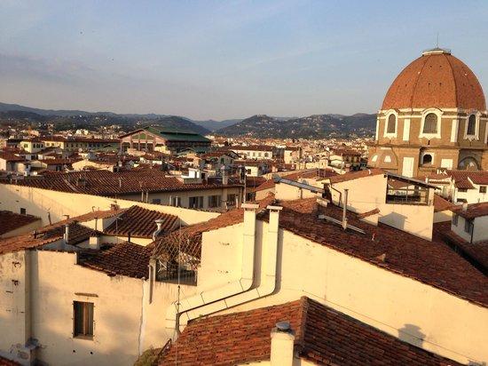 B4 Astoria Firenze: Vista desde la recamara