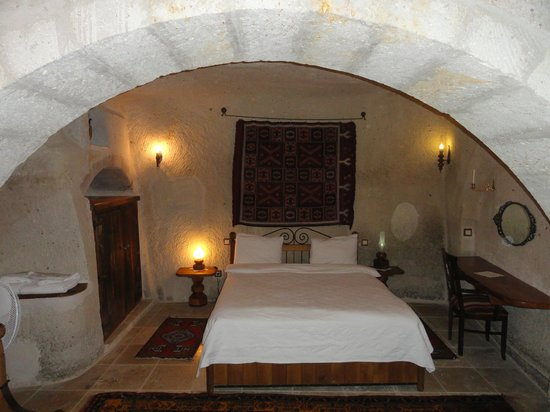 Koza Cave Hotel: My Guestroom Sleeping Area