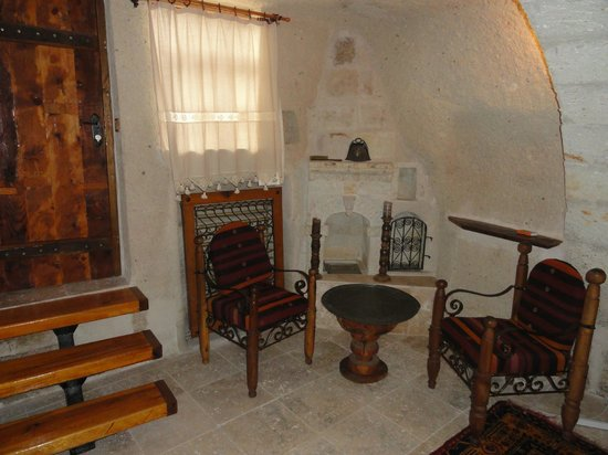 Koza Cave Hotel: My Guestroom Sitting Area