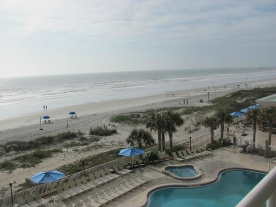 Courtyard Jacksonville Beach Oceanfront: View to the right on balcony