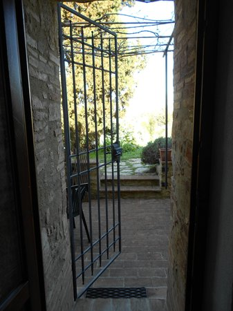 Agriturismo Apparita: Looking out of the door of Room 4