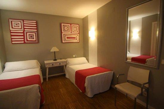 Hotel Subur: habitación