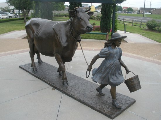 Blue Bell Creameries: The little girl and Belle
