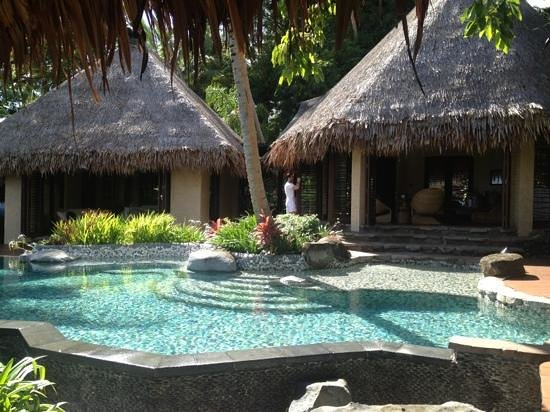 Laucala Island Resort : your own private pool