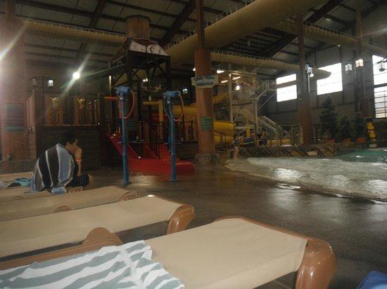 Cascades Indoor Waterpark: slides
