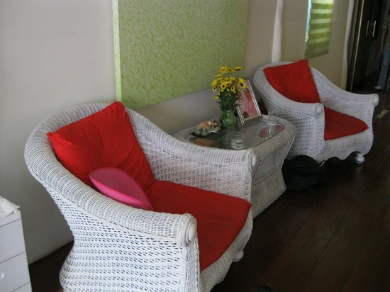Serenity Massage and Spa: Seating in main massage area