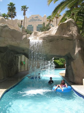 Four Seasons Hotel Las Vegas: Access to lazy river at Mandalay (extra chg. for tube)