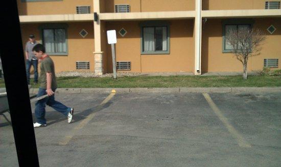 Quality Inn & Suites Council Bluffs: child labor as we left