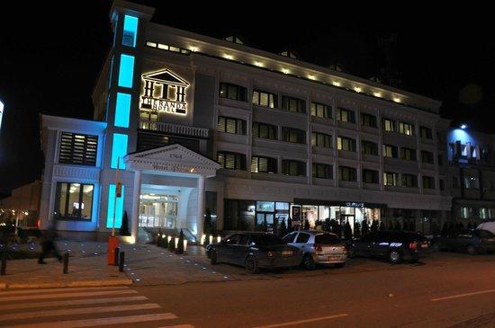 Naten Hotel Theranda