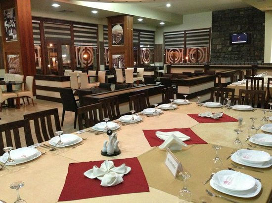 Hotel Theranda: Restaurant Ditor